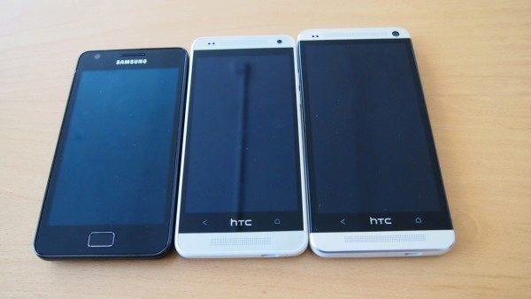 HTC One Mini - porovnání rozměrů