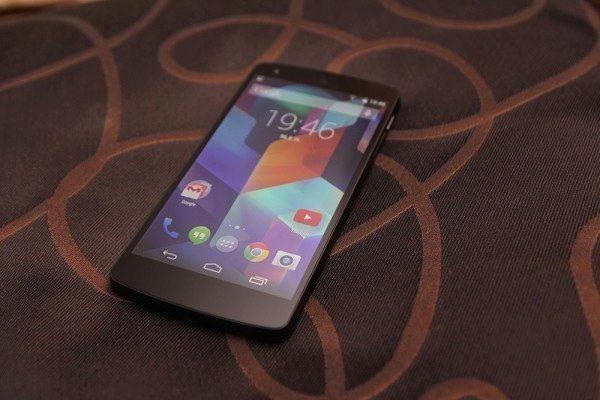 Nexus 5 pohled 5