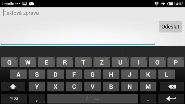 Klávesnice připomíná tu z čistého Androidu. Žádné nadstandardní funkce tedy nečekejme