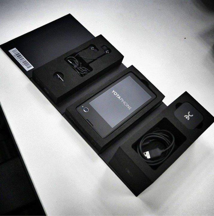 YotaPhone prodejní balení