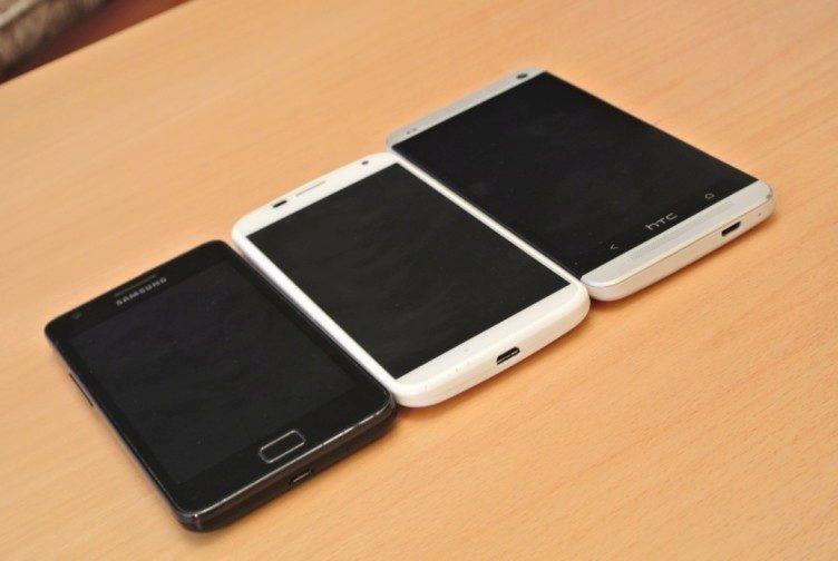 Motorola Moto X - porovnání velikostí
