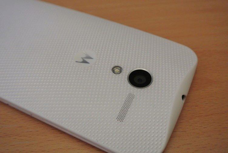 Motorola Moto X - záda detail