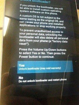 Odemknutí bootloaderu je nutné potvrdit na obrazovce zařízení