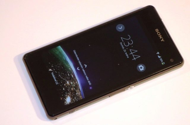 Sony Xperia Z1 Compact (3)