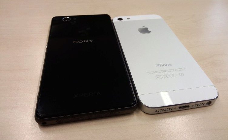 Sony Xperia Z1 Compact vs. Apple iPhone 5 (4)