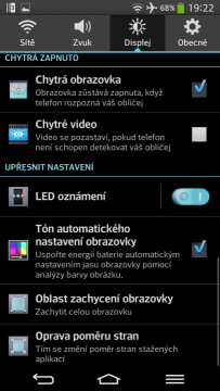 LG-G-Flex-chytra-obrazovka-a-video