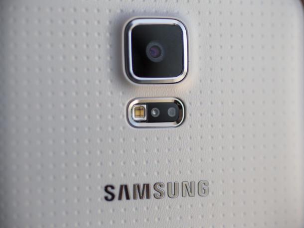 samsung-galaxy-s5-mwc-2014-10_610x458