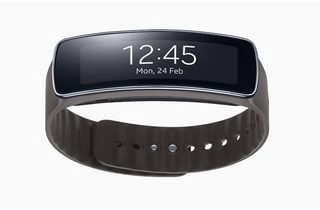 samsung-gear-fit-designboom03