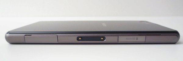 Sony Xperia Z1 Compact - levý bok