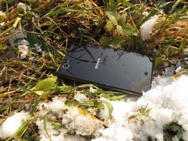 Sony Xperia Z1 Compact - na sněhu (3)