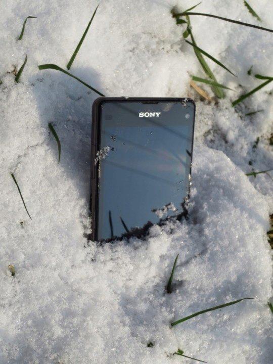 Sony Xperia Z1 Compact - na sněhu (6)