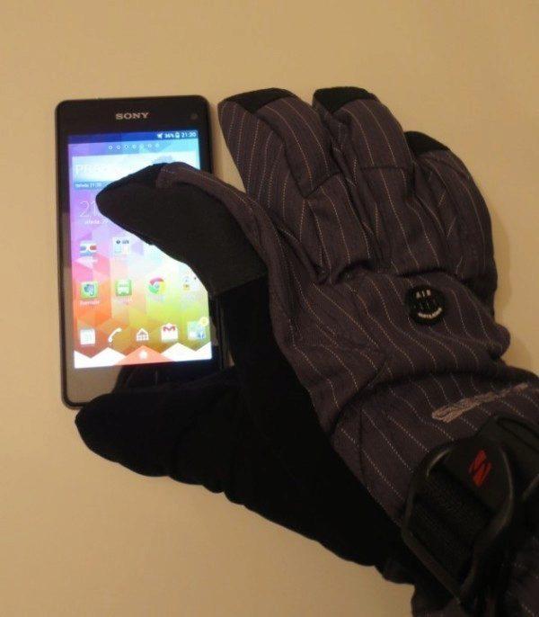 Sony Xperia Z1 Compact - ovládání v rukavicích (1)