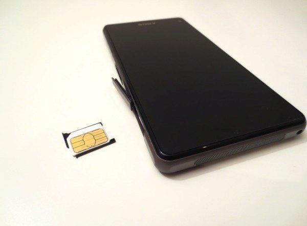 Sony Xperia Z1 Compact - slot na SIM