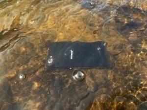 Sony Xperia Z1 Compact - ve vodě (2)