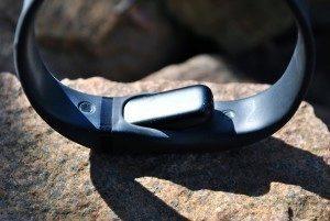 Fitbit Flex díra pro vložení monitorovací jednotky 2