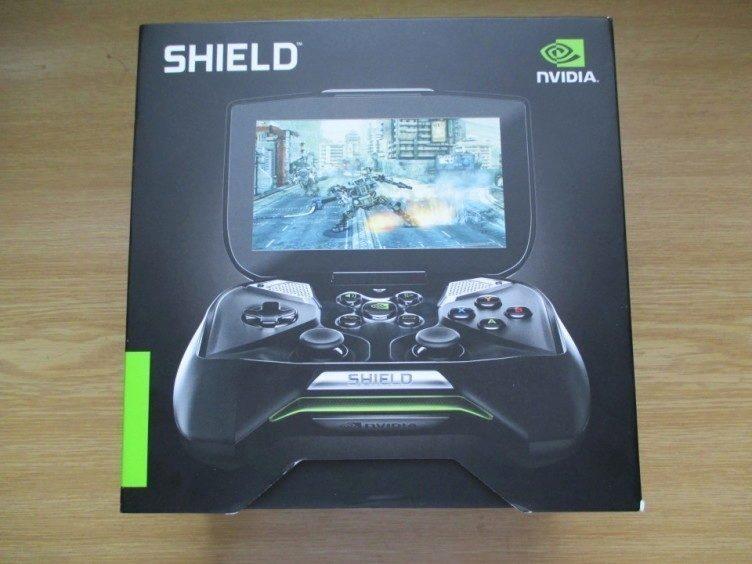 Přední strana krabičky konzole Shield