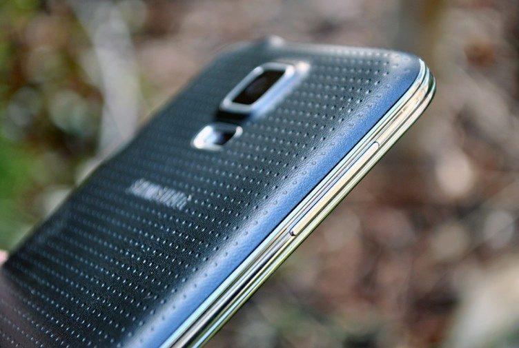 Samsung Galaxy S5 ovládání hlasitosti