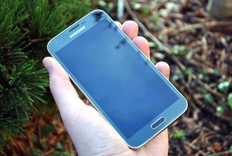 Samsung Galaxy S5 přední strana 3
