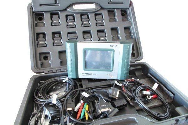 Diagnostická jednotka Autoboss V-30 s adaptéry