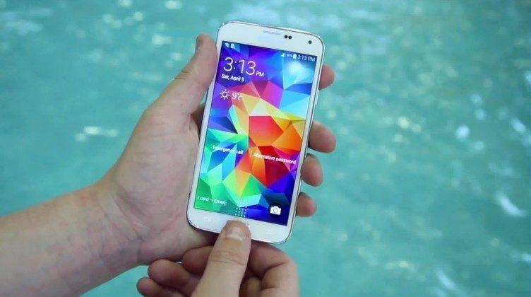 Galaxy S5 bazén