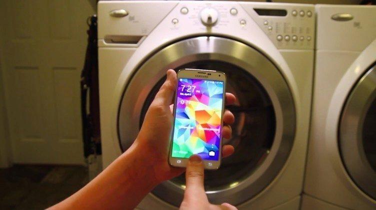 Galaxy S5 u pračky
