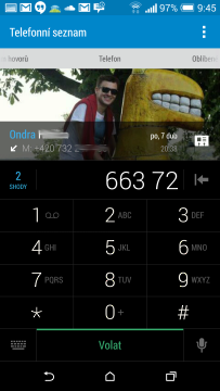 HTC One M8 recenze - dialer