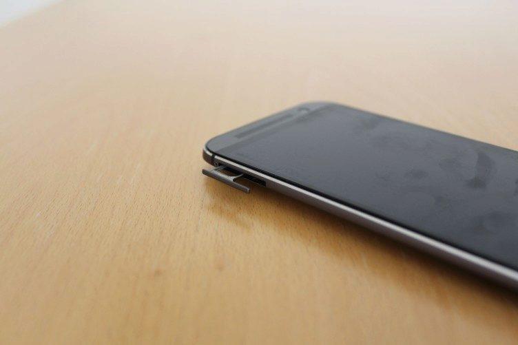 Jak vypadá HTC One M8 22