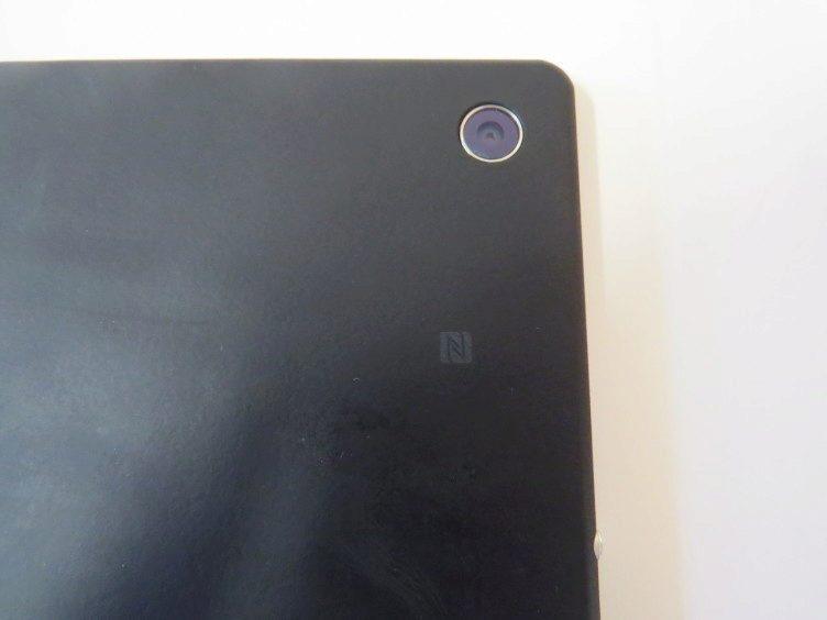 Sony Xperia Z2 Tablet zadní strana