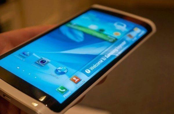 Samsung prezentoval displej Youm v lednu 2013 na veletrhu CES