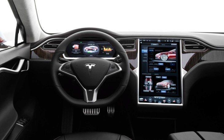 Tesla dává Spotify zdarma
