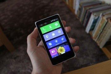 Nokia X recenze - displej