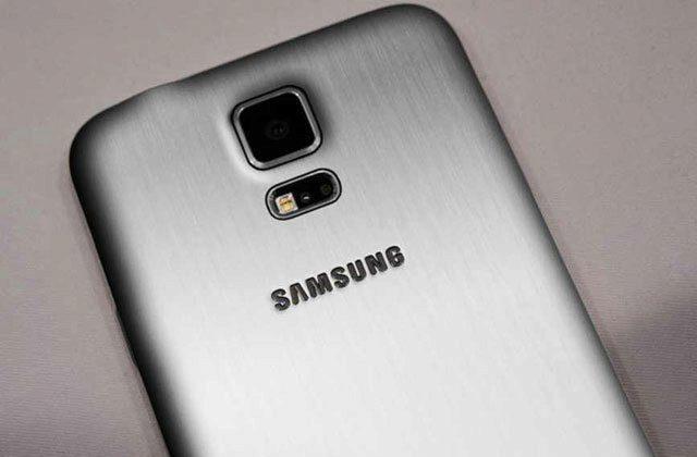 Samsung Galaxy S5 Prime by mohl mít kovové tělo, nebo alespoň zadní kryt