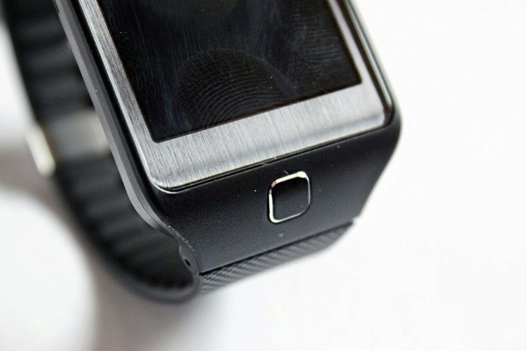 Samsung Gear 2 Neo domovské tlačítko