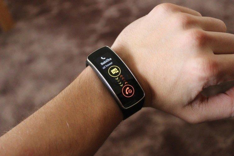 Samsung Gear Fit notifikace 1