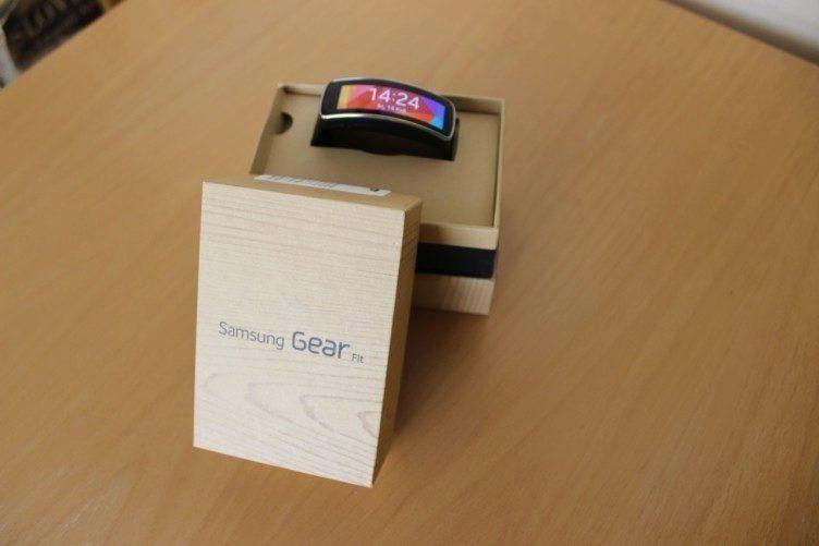 Samsung Gear Fit recenze - balení