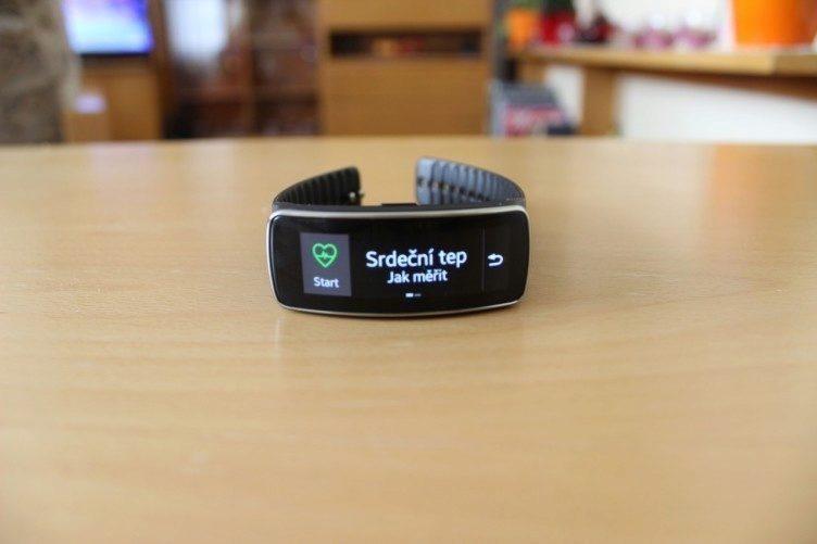 Samsung Gear Fit recenze - srdeční tep