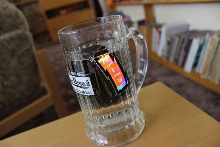 Samsung Gear Fit recenze - vodotěsnost