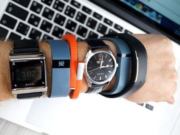 Fitness náramky se těší větší oblibě než chytré hodinky - lídrem je Fitbit