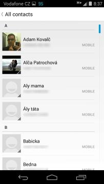 Telefon-Motorola-Moto-E-aplikace-kontakty (1)