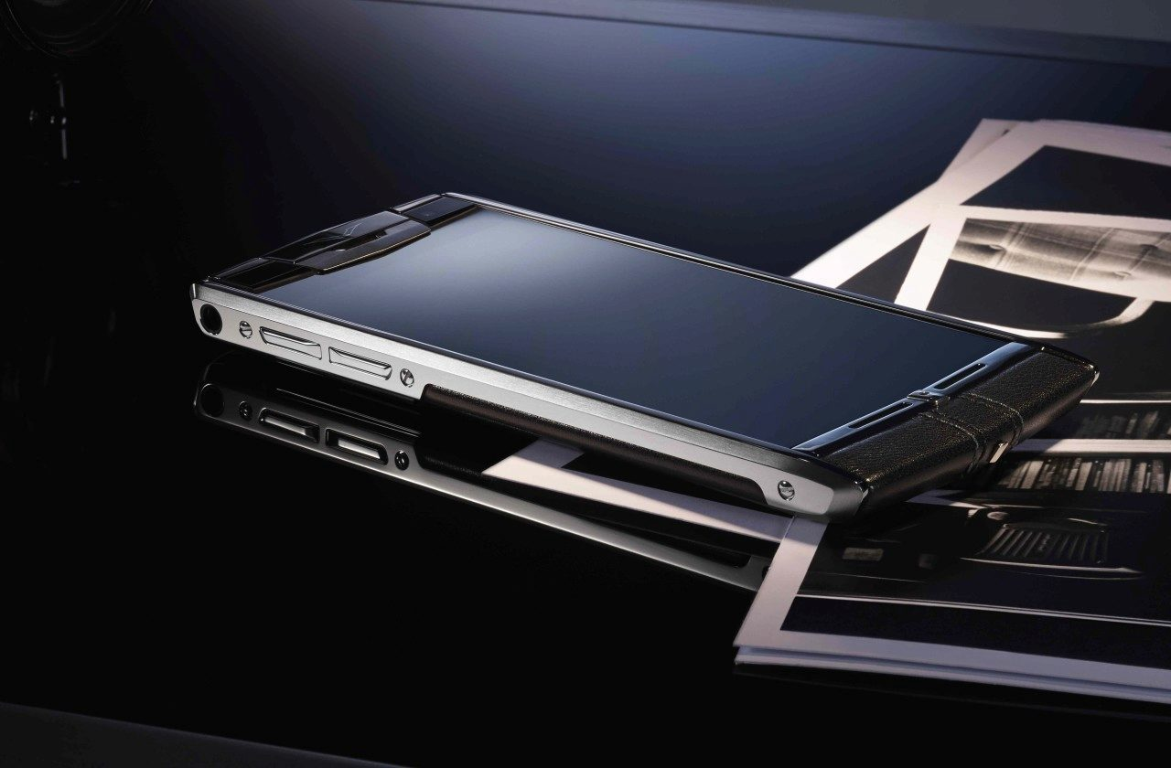 Vertu Signature Touch cover1