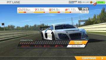 Real Racing 3 - renderovaná grafika není až tak přesvědčivá jako herní medu a ovládací prvky hry