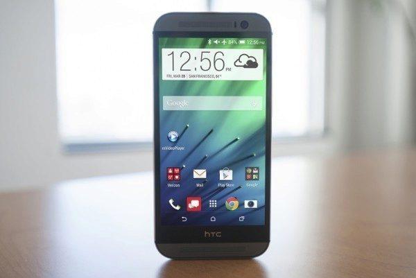 HTC One (M8) přinesl firmě první letošní zisk