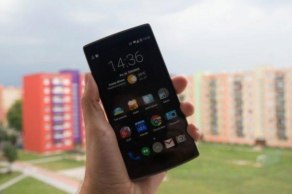 OnePlus One černý displej