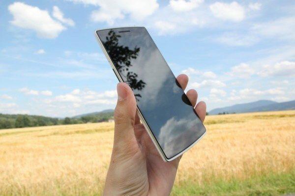OnePlus One přední strana displej