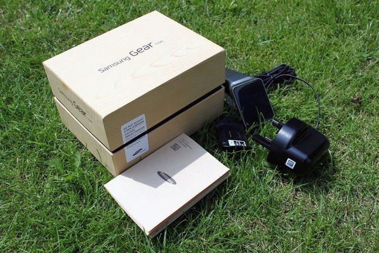 Samsung Gear Live obsah balení