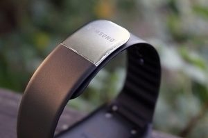 Samsung Gear Live pásek a zapínání 1
