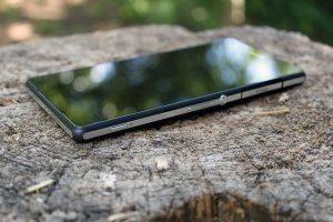 Sony Xperia Z2 pravý bok 3