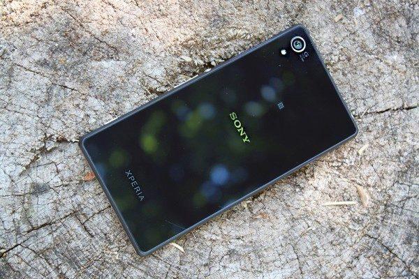 Sony Xperia Z2 zadní strana 1