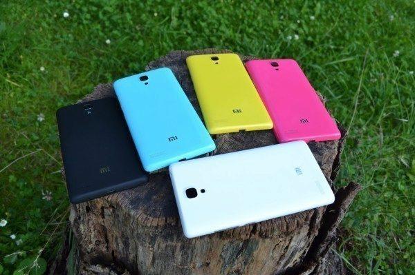 Další kryty telefonu Xiaomi Redmi Note sluší, nejsou už ale tak příjemné na dotyk