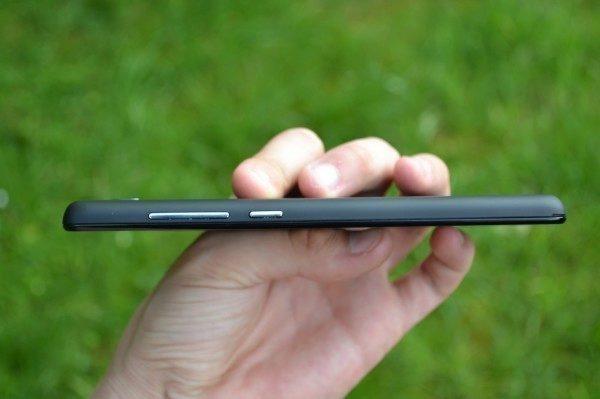 Rozmístění tlačítek je pro telefony Xiaomi typické